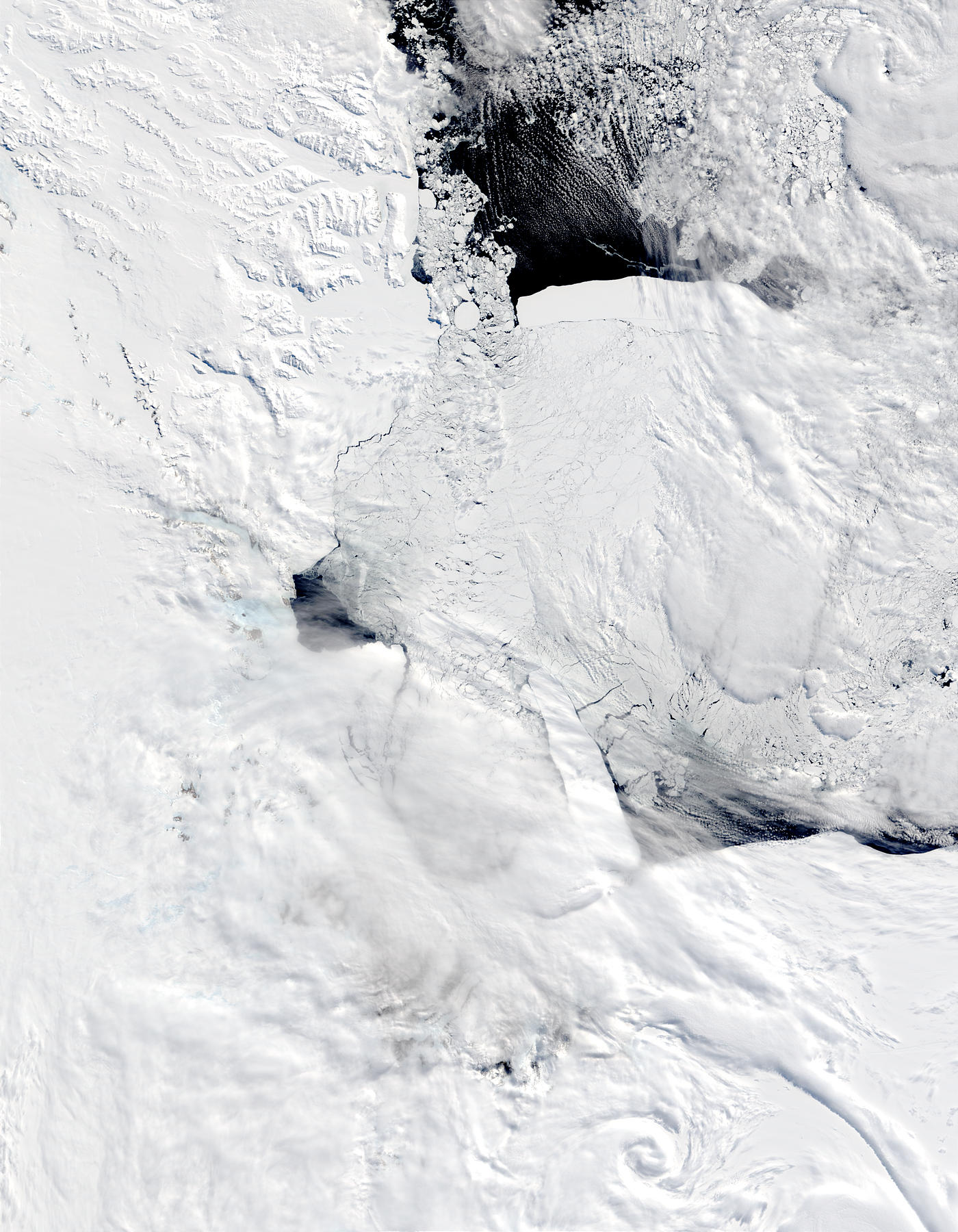 B-15A and C-19 icebergs in the Ross Sea, Antarctica - related image preview