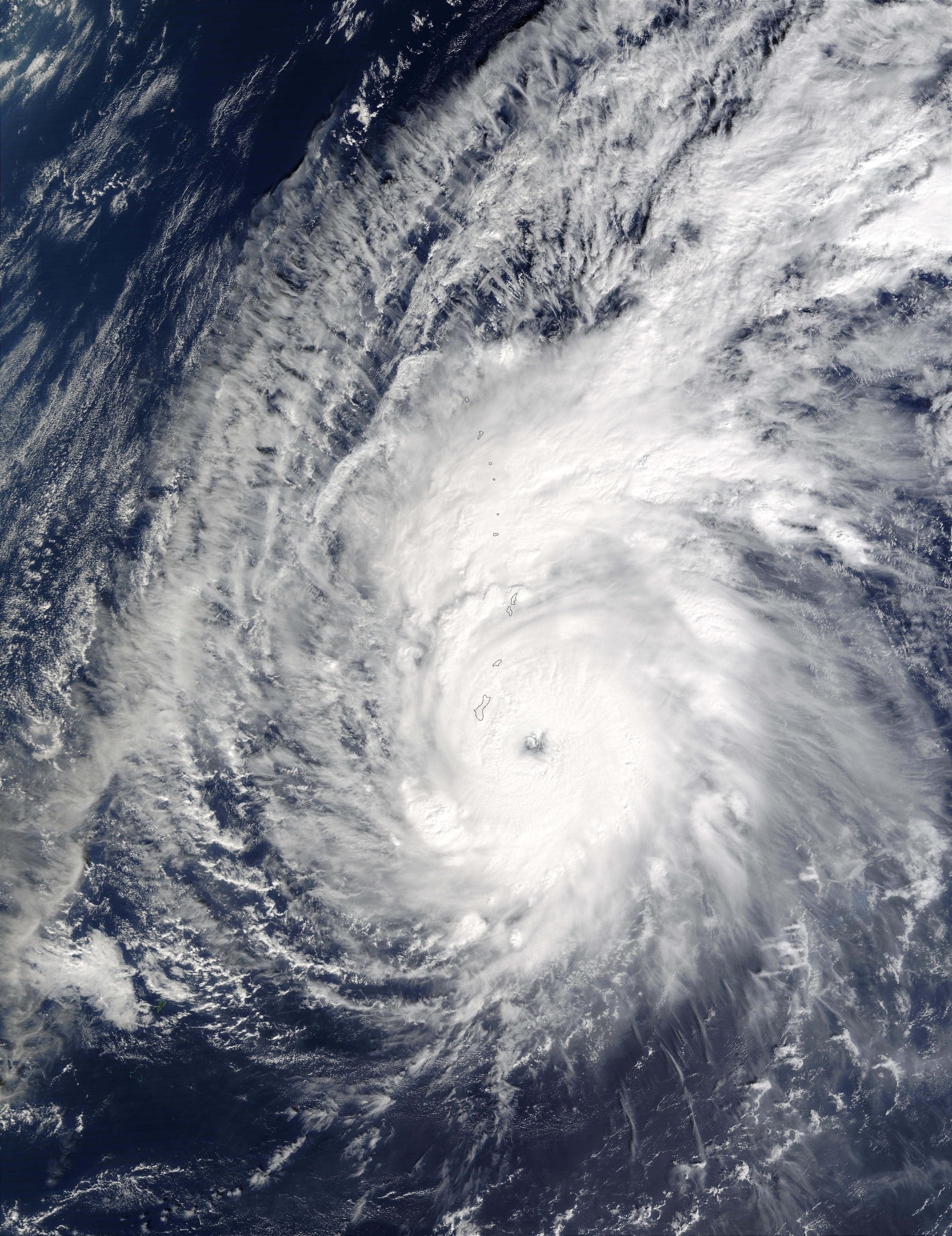 Typhoon Pongsona (31W) near Northern Mariana Islands - related image preview