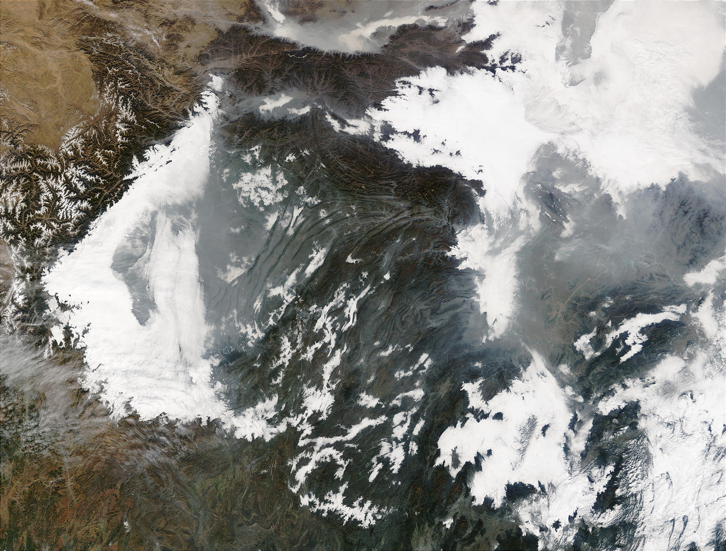 Haze and smog in Central China - related image preview