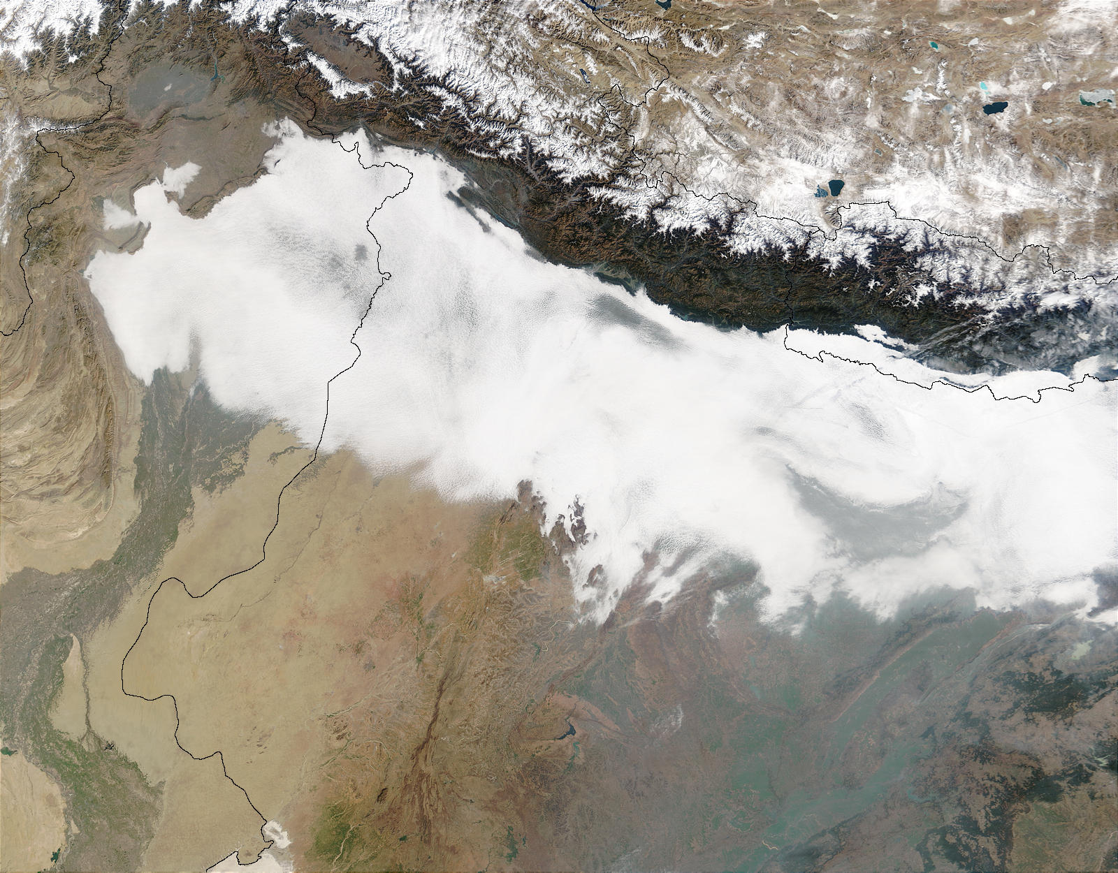 Haze and smog in Northern India and Pakistan - related image preview