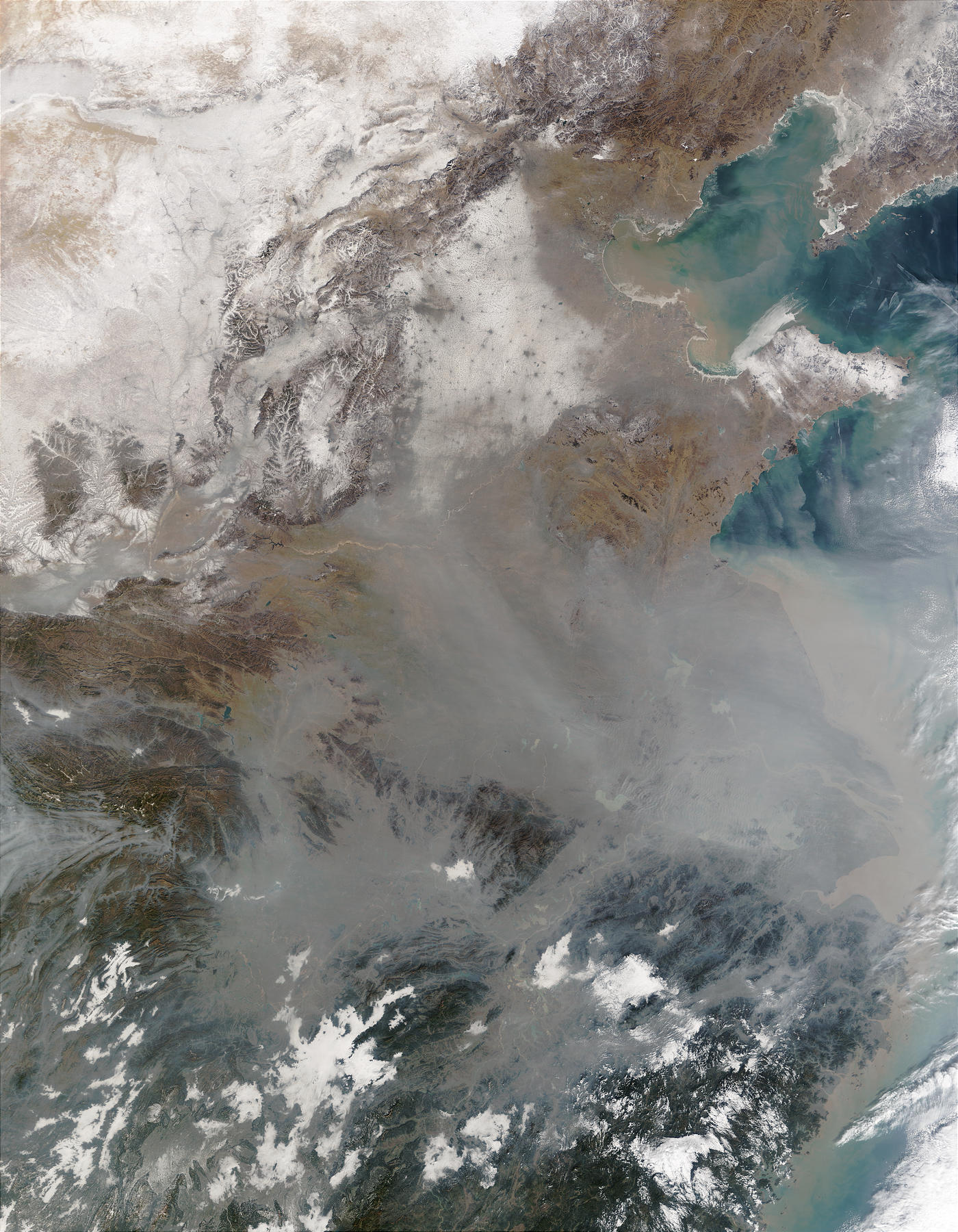 Snow and pollution in Eastern China - related image preview