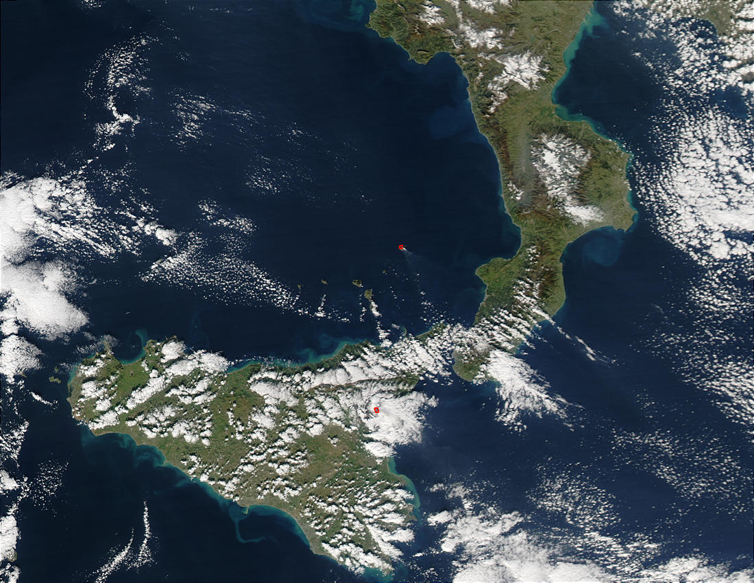 Eruption of Stromboli Volcano, Italy - related image preview