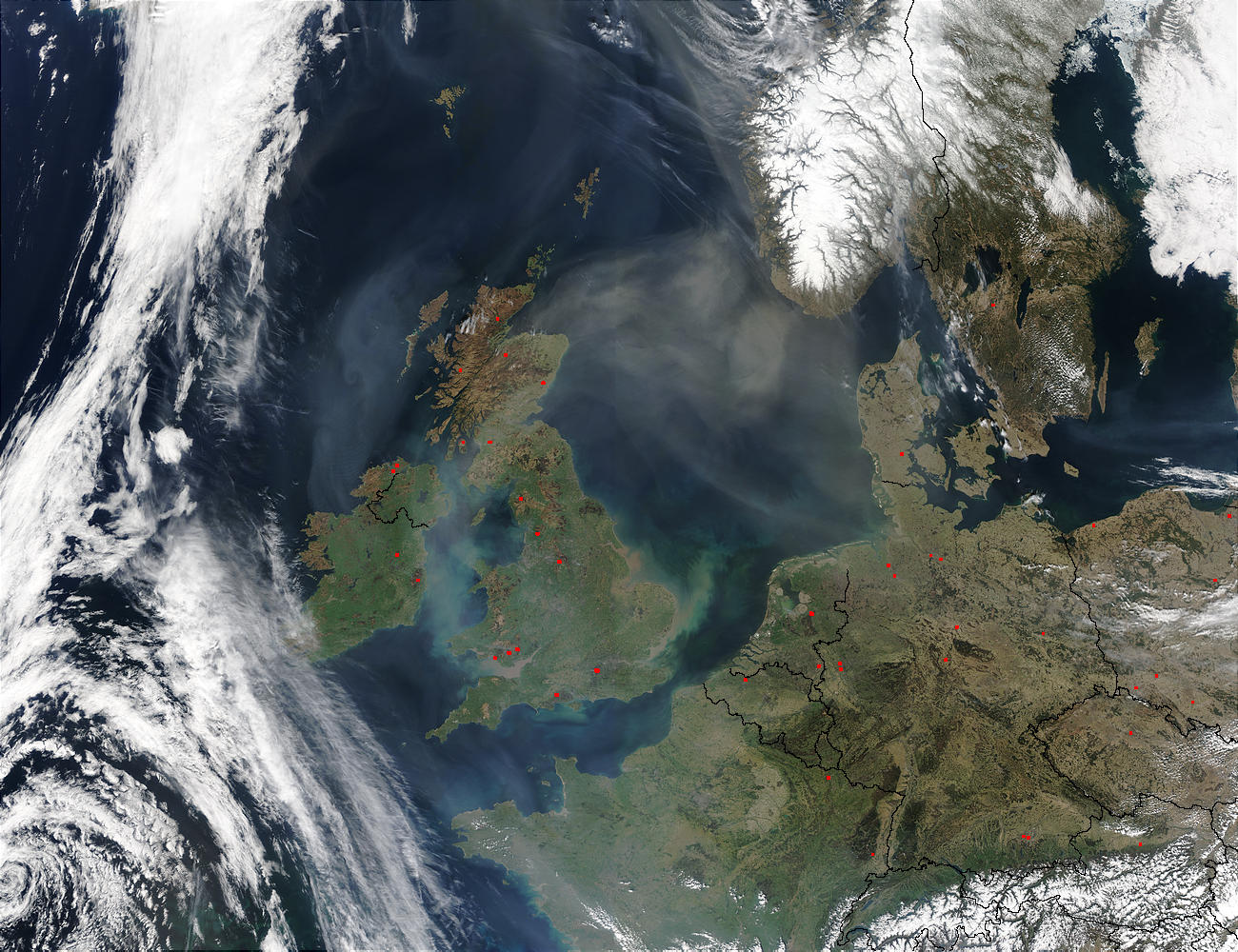 Saharan dust over the North Sea (Terra/Aqua combination) - related image preview