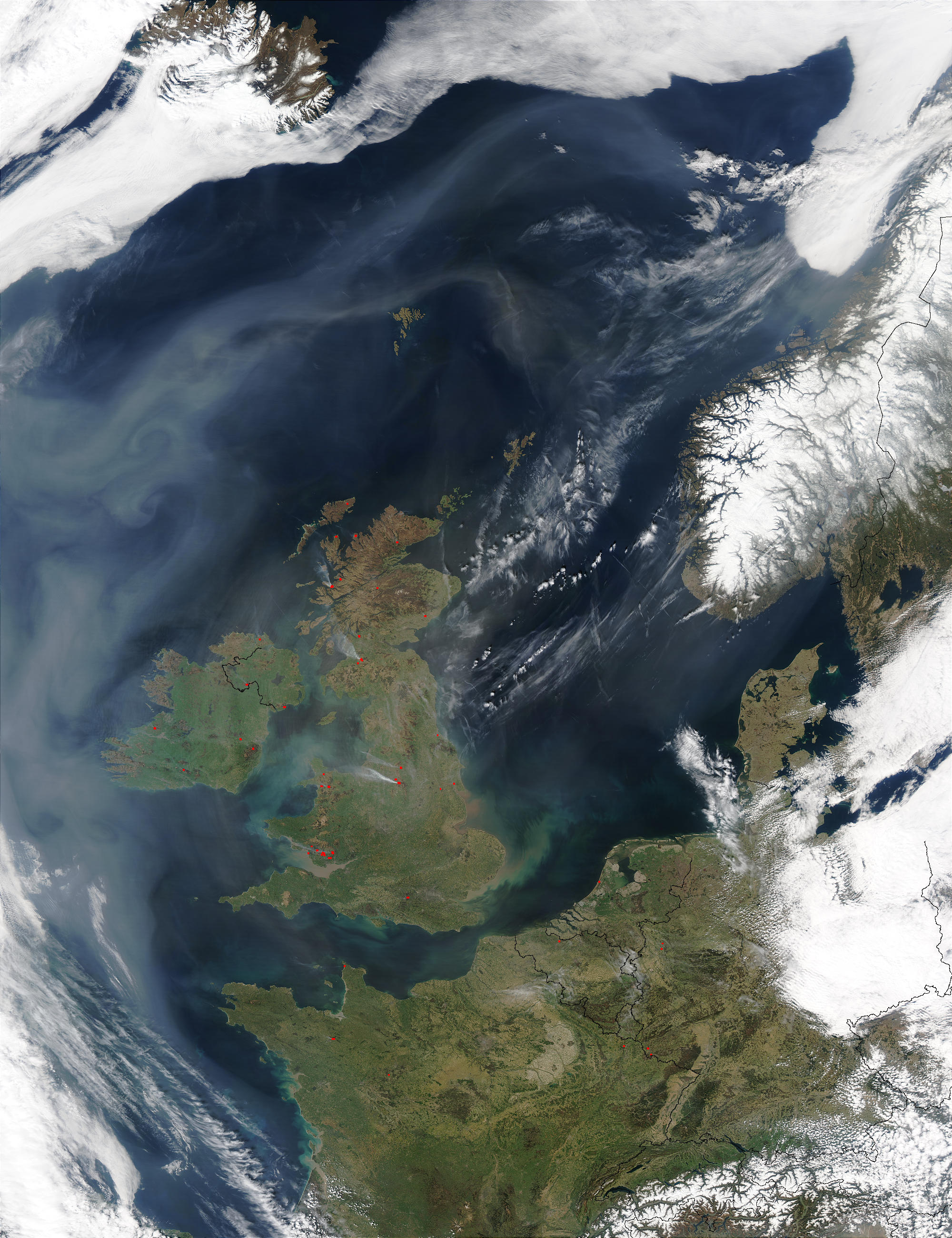 Smoke, pollution, and Saharan dust off Northern Europe - related image preview