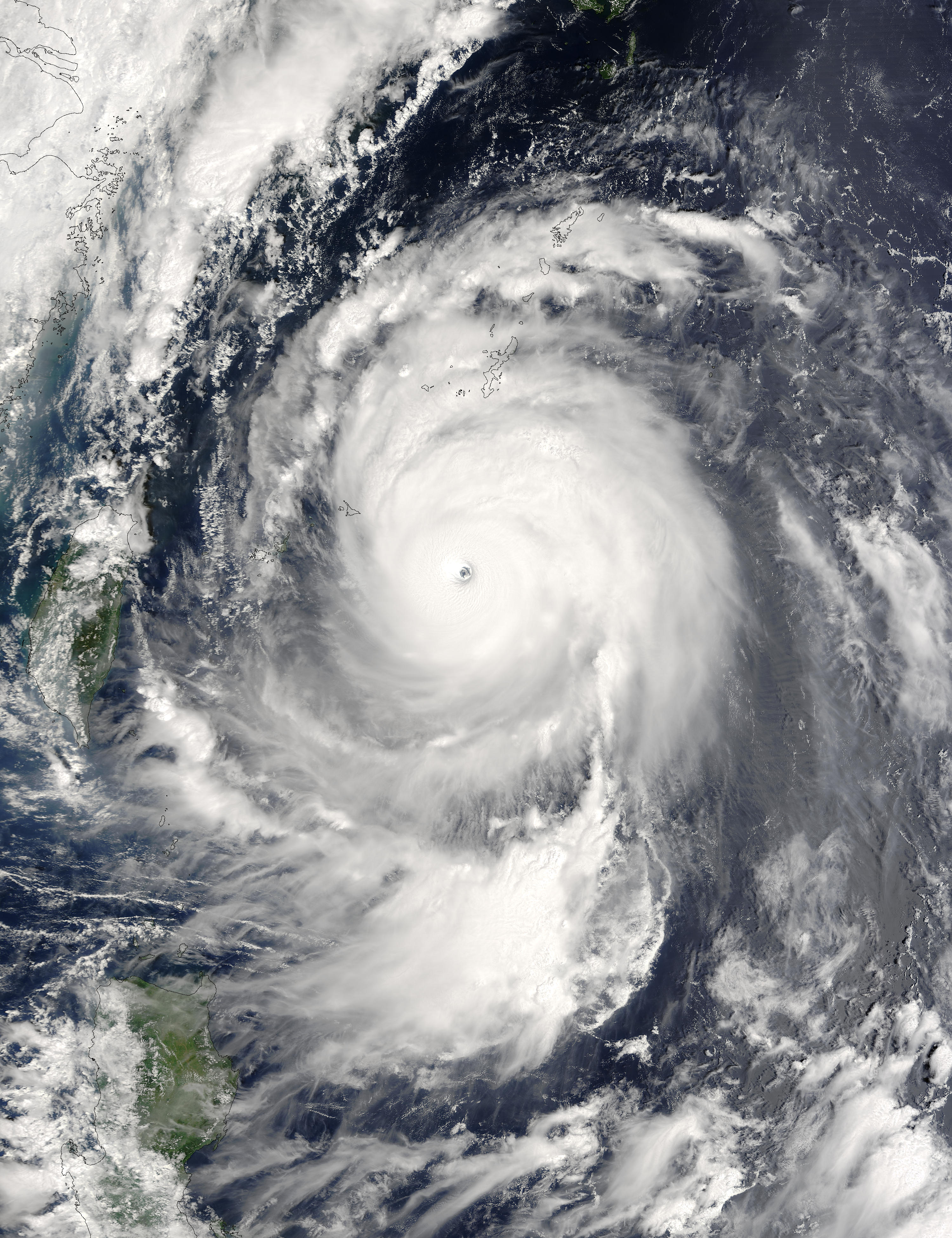 Super Typhoon Maemi (15W) east of Taiwan - related image preview