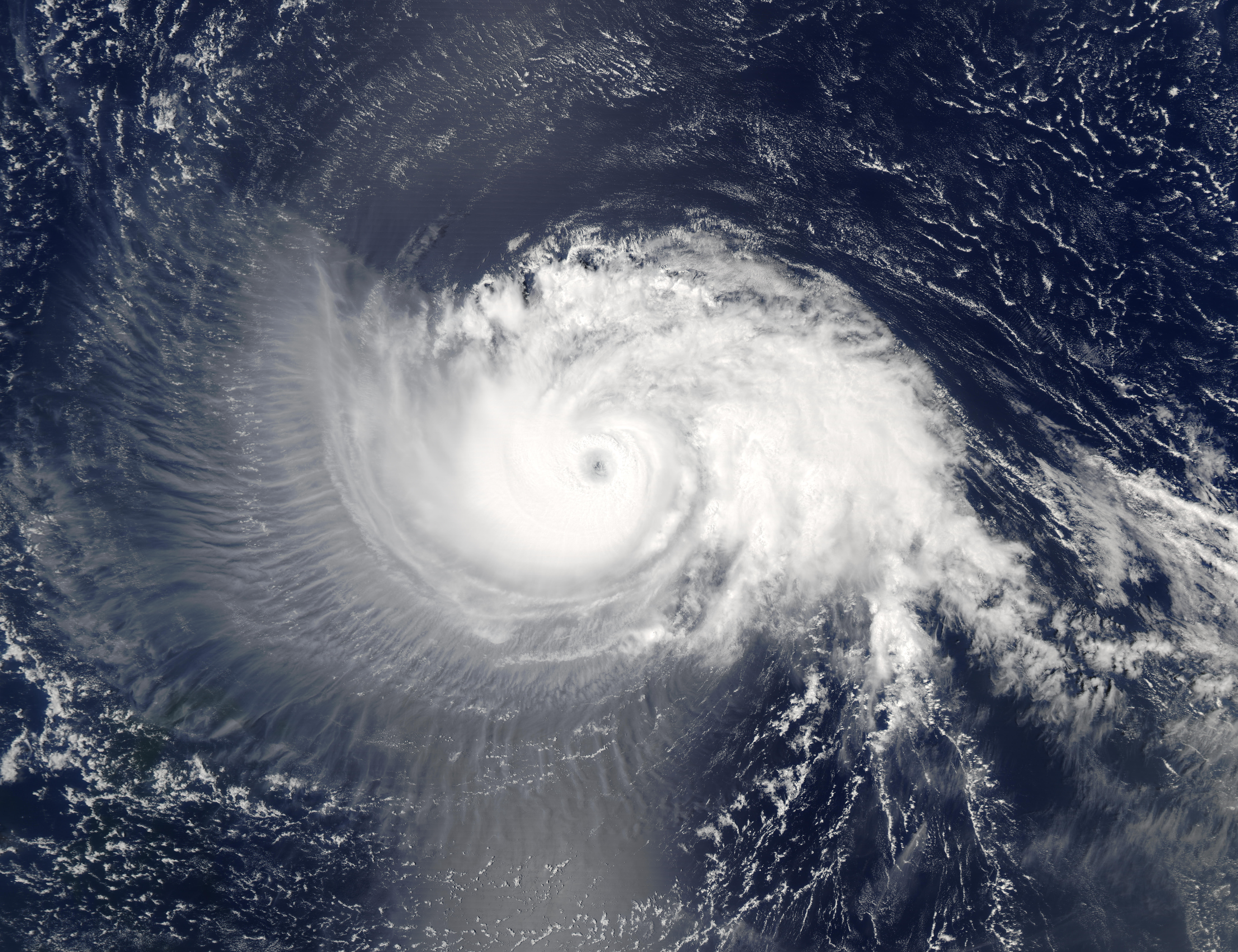 how hurricanes form in the north atlantic ocean Hurricane: the north atlantic ocean for hurricanes to form there needs to be several favourable conditions, which include: the presence of warm ocean waters.