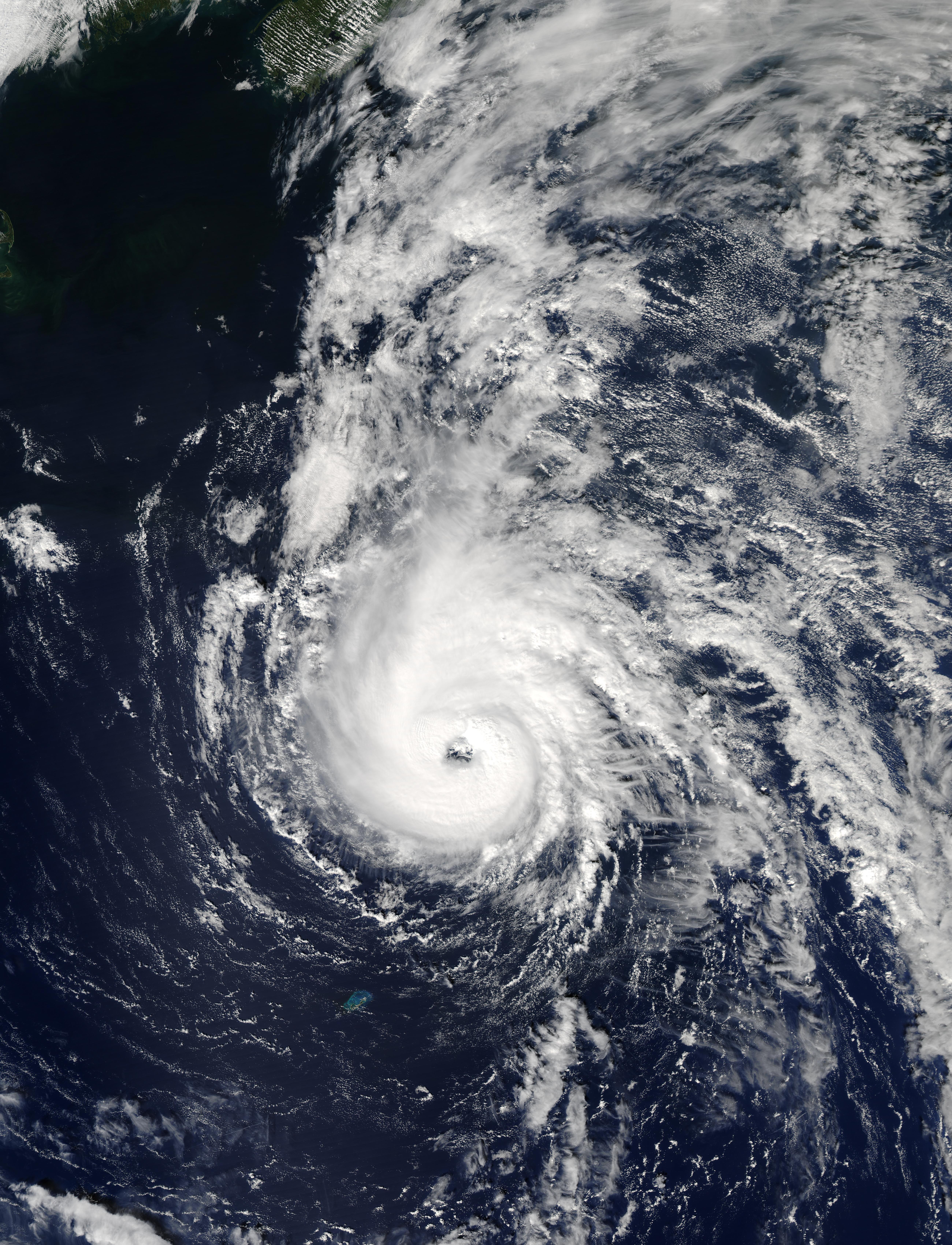 Hurricane Juan north of Bermuda - related image preview