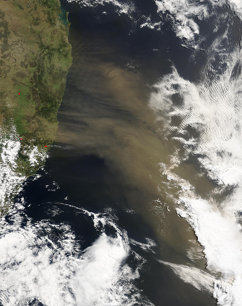 Dust storm off Australia - related image preview