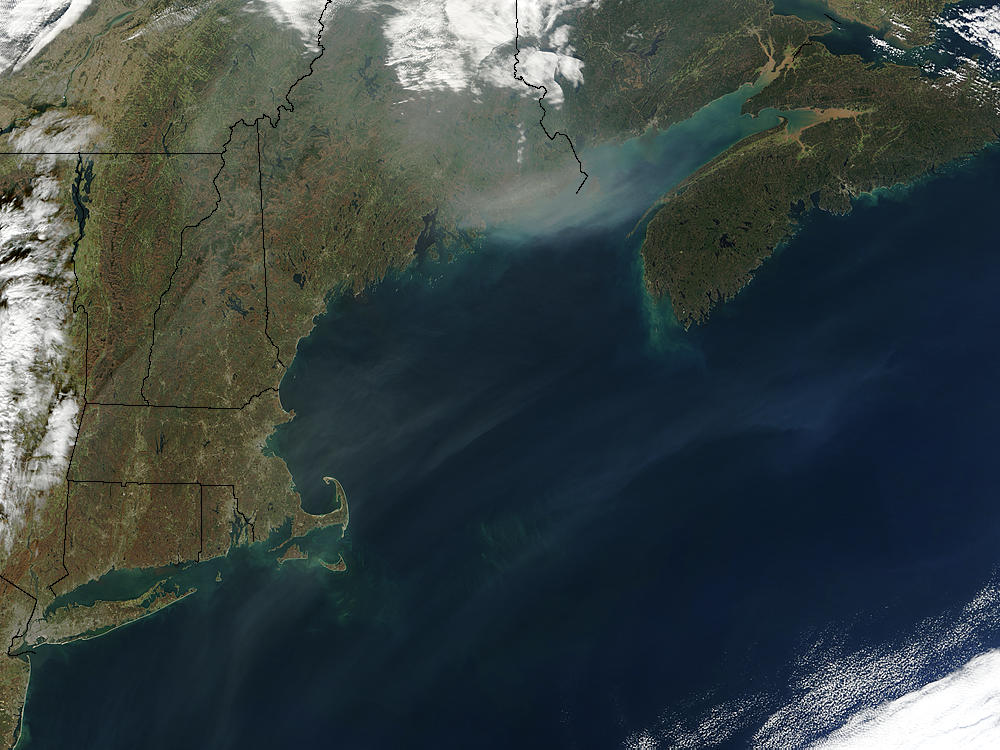 Smoke from Californian fires over Northeast United States - related image preview