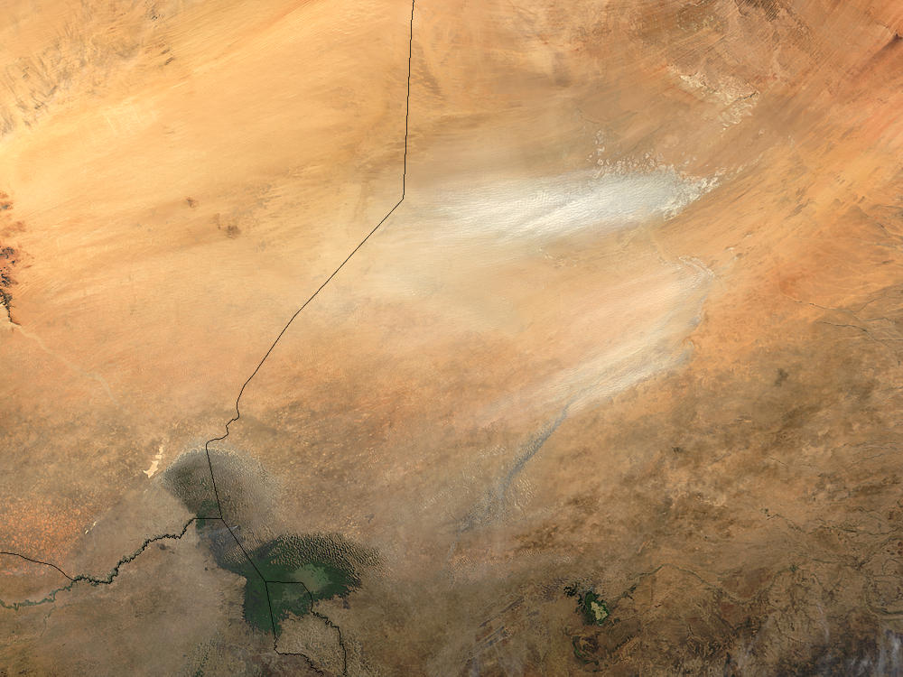 Dust storm in the Bodele depression, Chad - related image preview