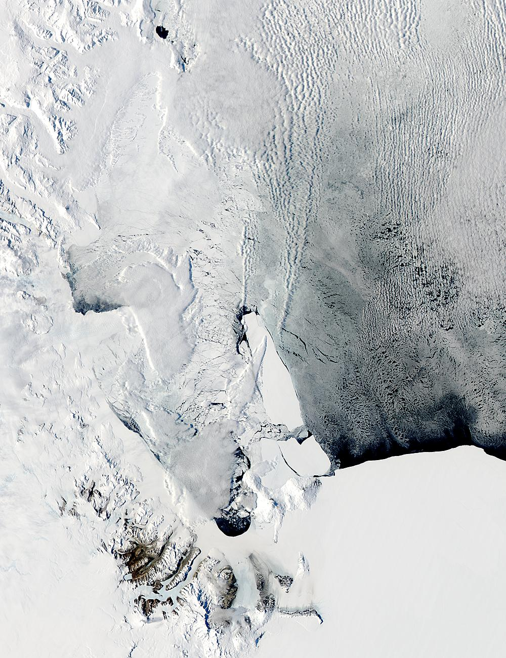 B-15A, B-15J, and C-16 icebergs in the Ross Sea, Antarctica - related image preview