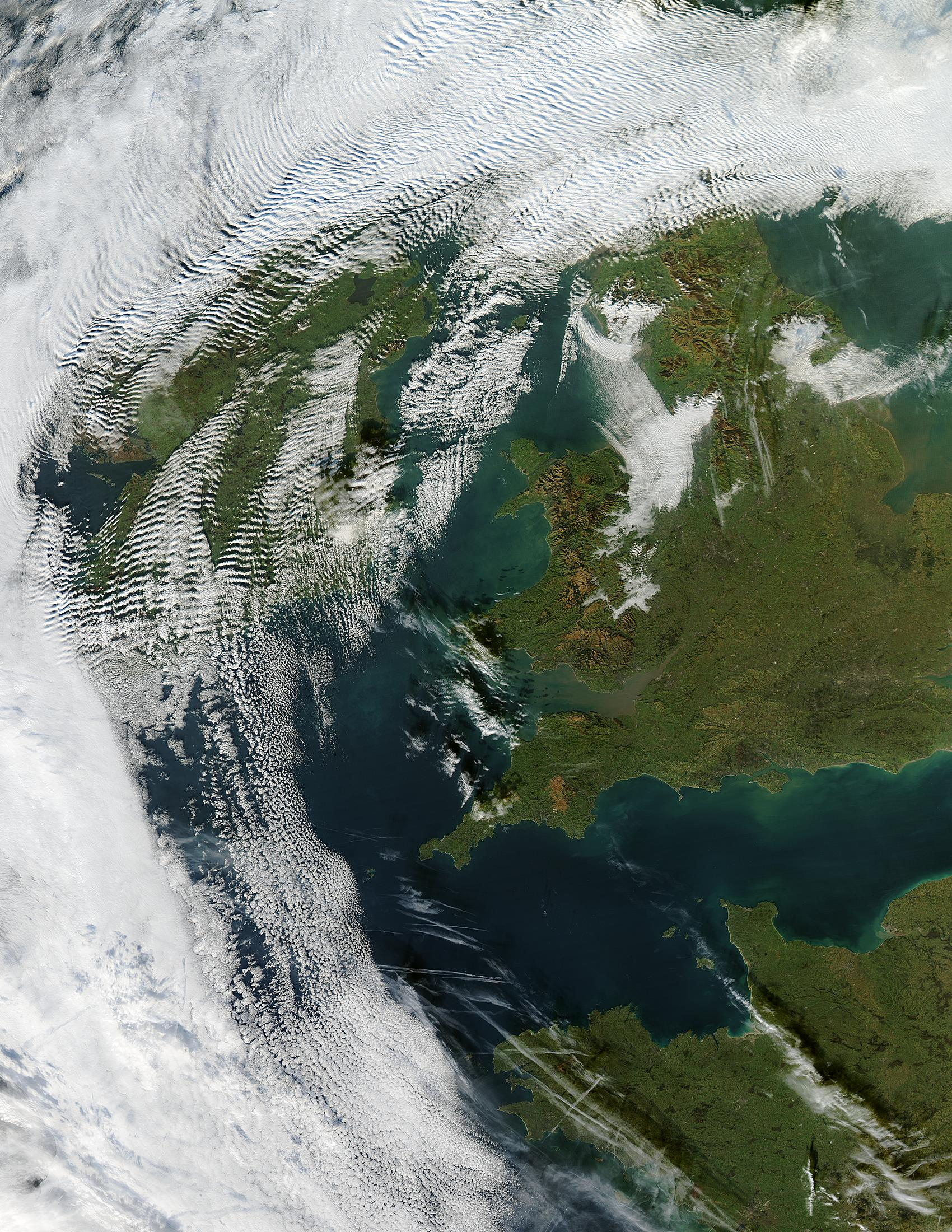 Wave clouds over Ireland - related image preview