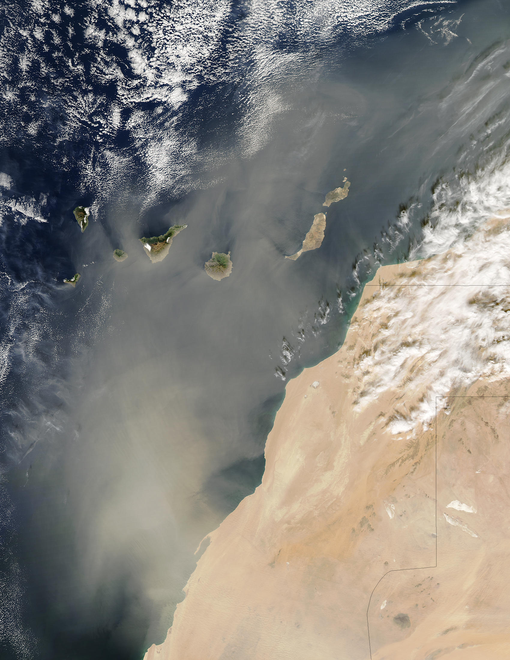 Dust storm over the Canary Islands - related image preview