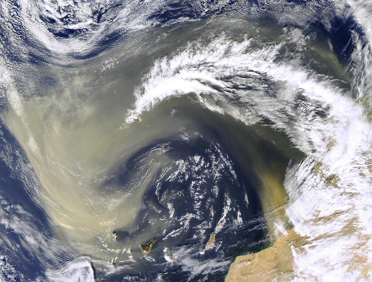 Saharan dust off Canary Islands - related image preview