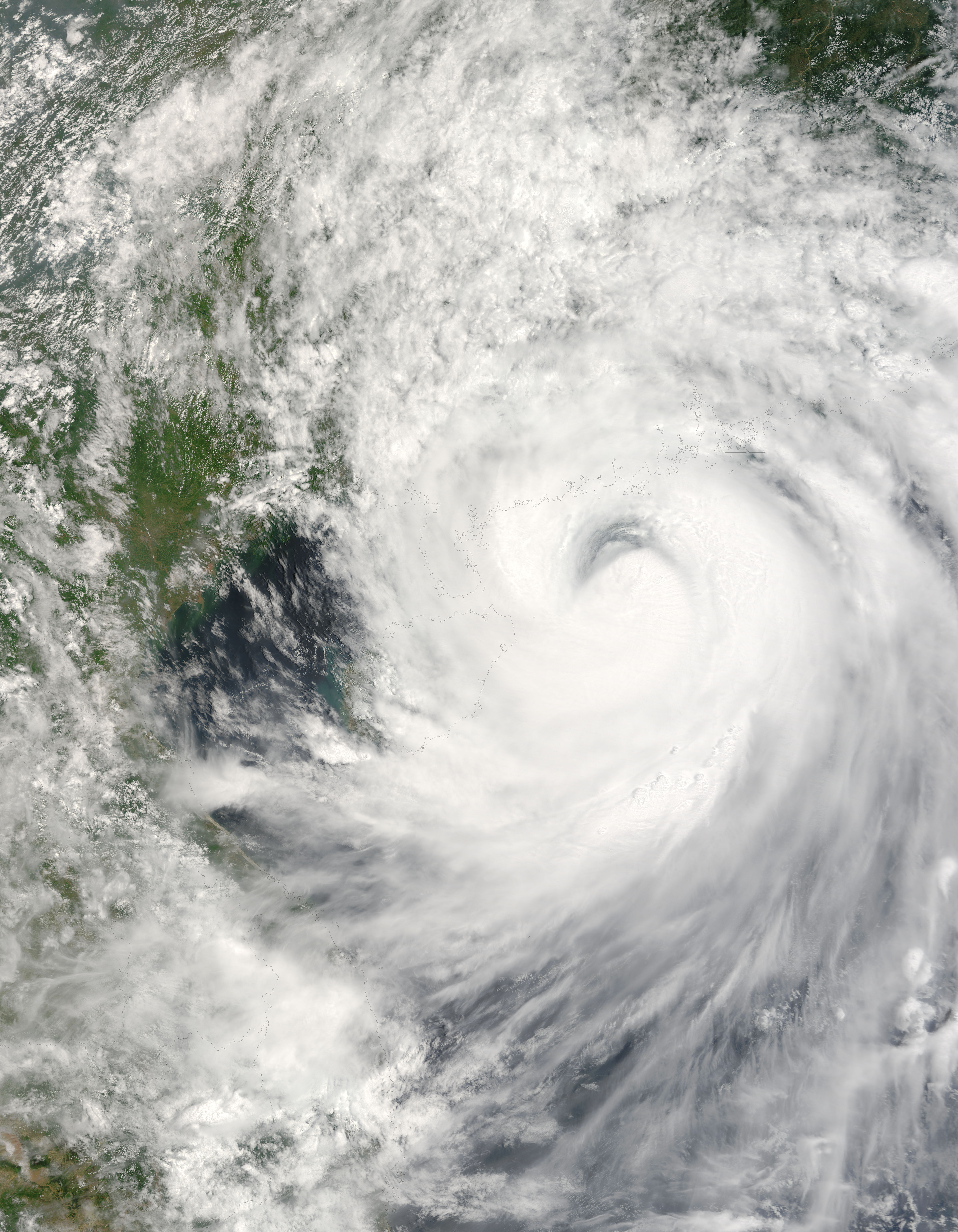 Typhoon Prapiroon over China - related image preview