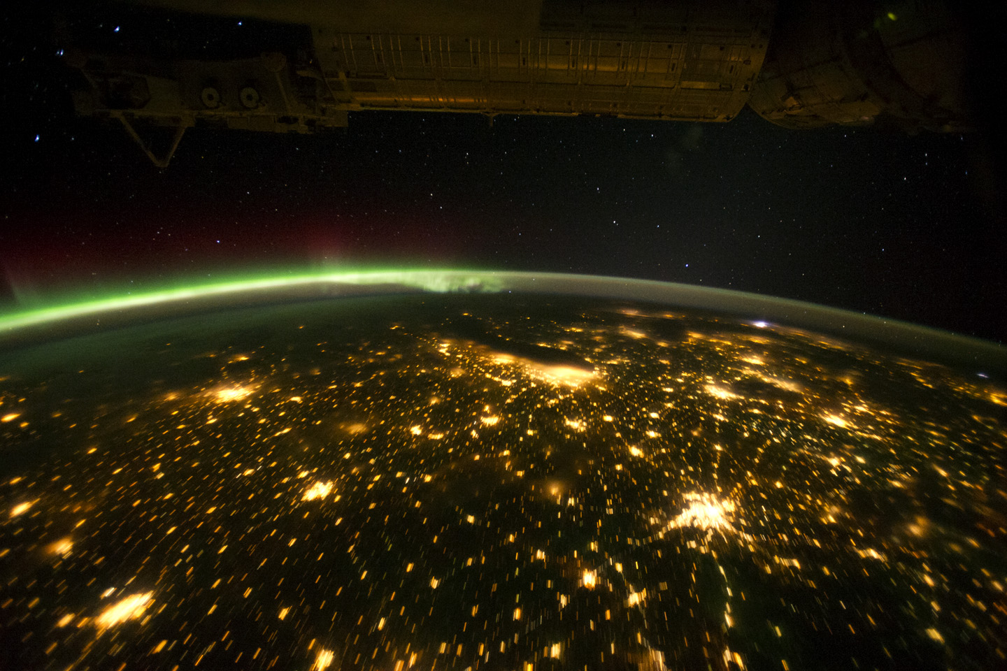 Midwestern usa at night with aurora borealis image of for Space station usa