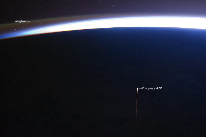 Re-entry of Progress Spacecraft 42P