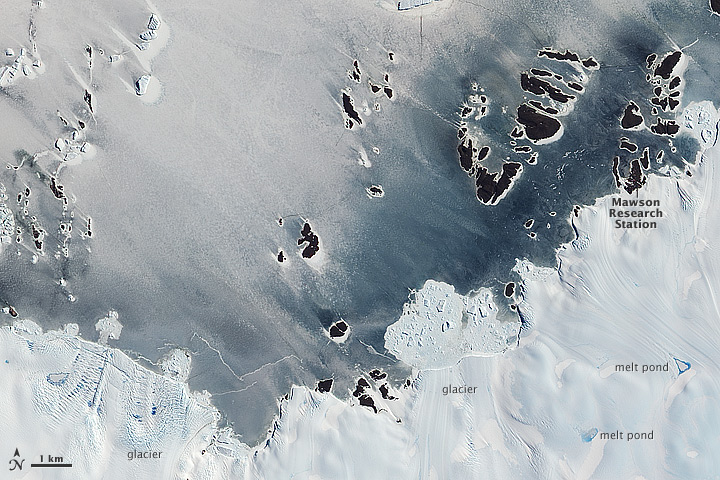 Ice Varieties along the Antarctic Coast
