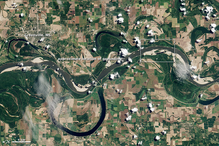 Low Water on the Mississippi Causes Barge Backup