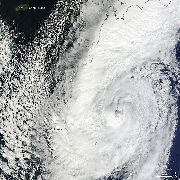 Prapiroon and Cloud Vortices