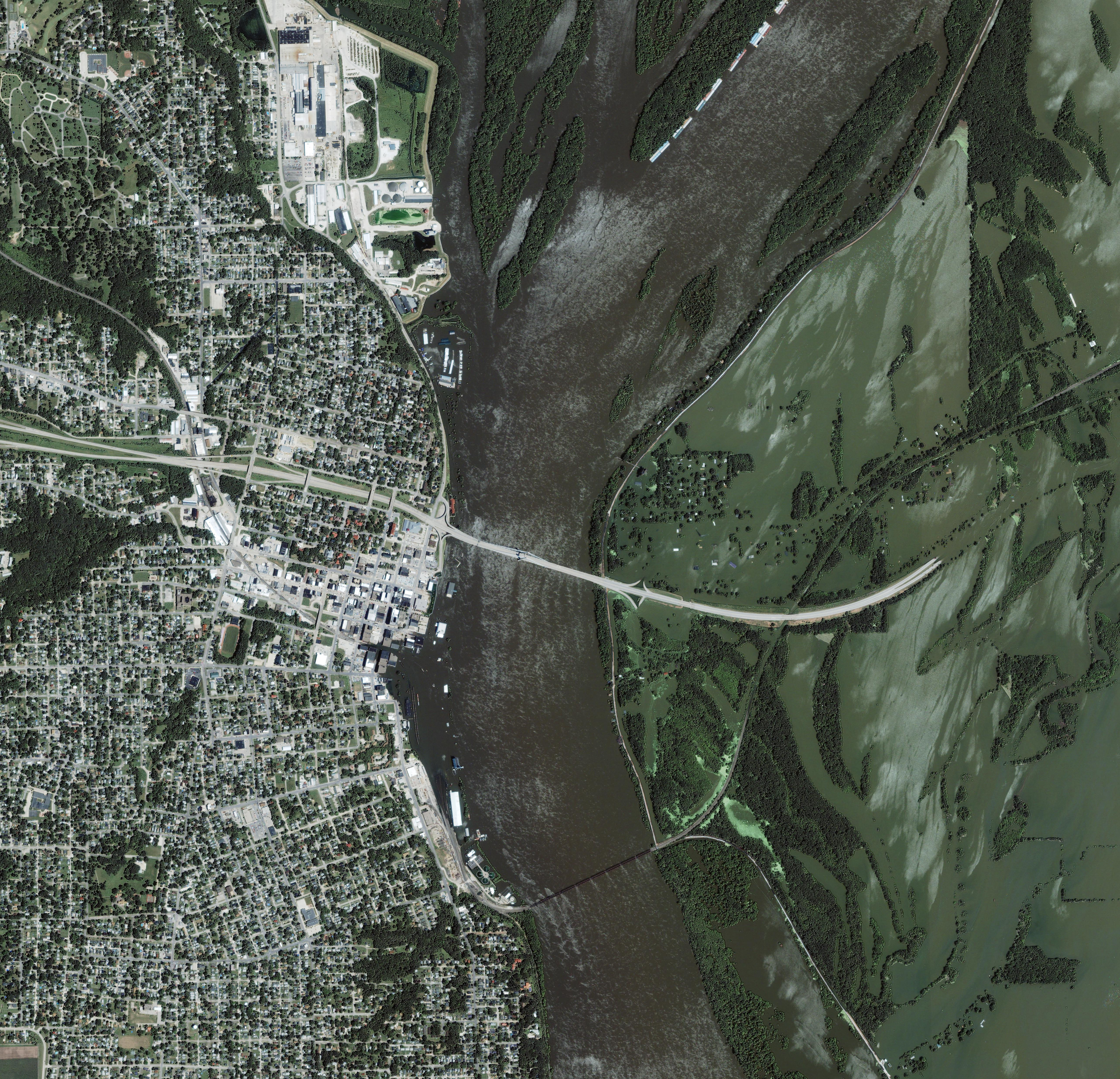 Mississippi River Floods Gulfport, Illinois - related image preview