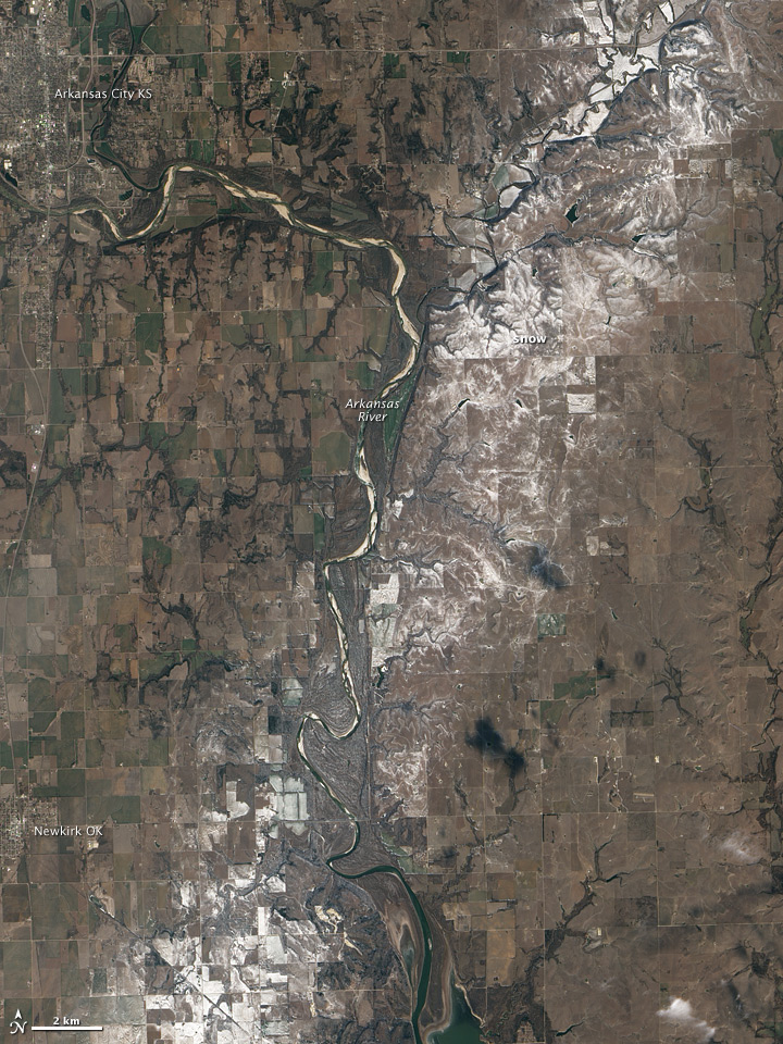 Narrow band of snow along the Arkansas River