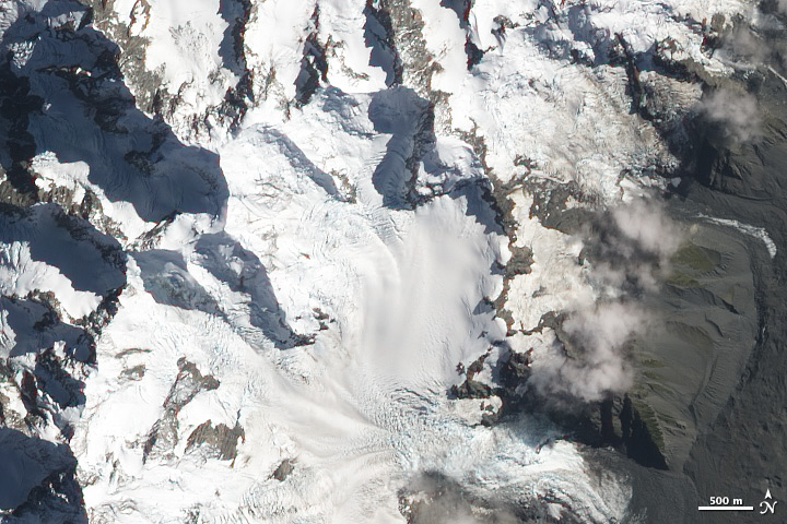 Avalanche in Aoraki/Mount Cook National Park