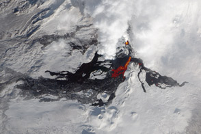 Lava Flows on Tolbachik Volcano