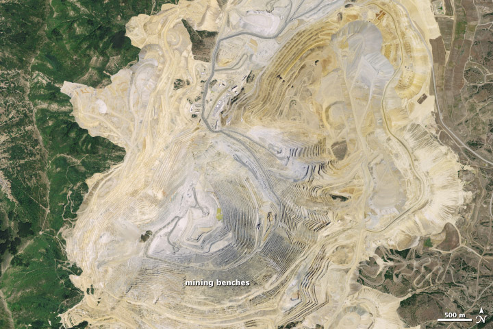 Sizing up the Landslide at Bingham Canyon Mine