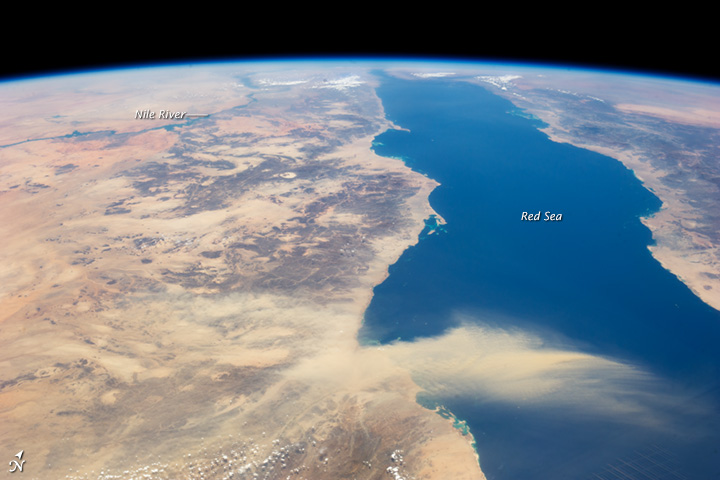 Egyptian Dust Plume, Red Sea - related image preview