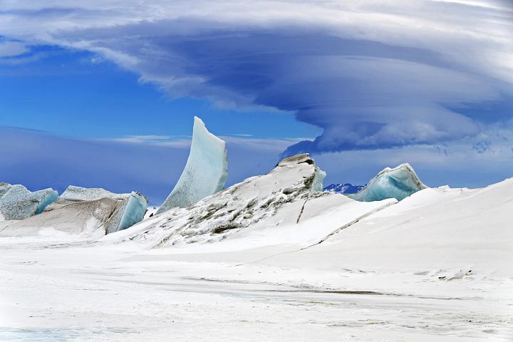 Wonders in the Antarctic Sea and Sky