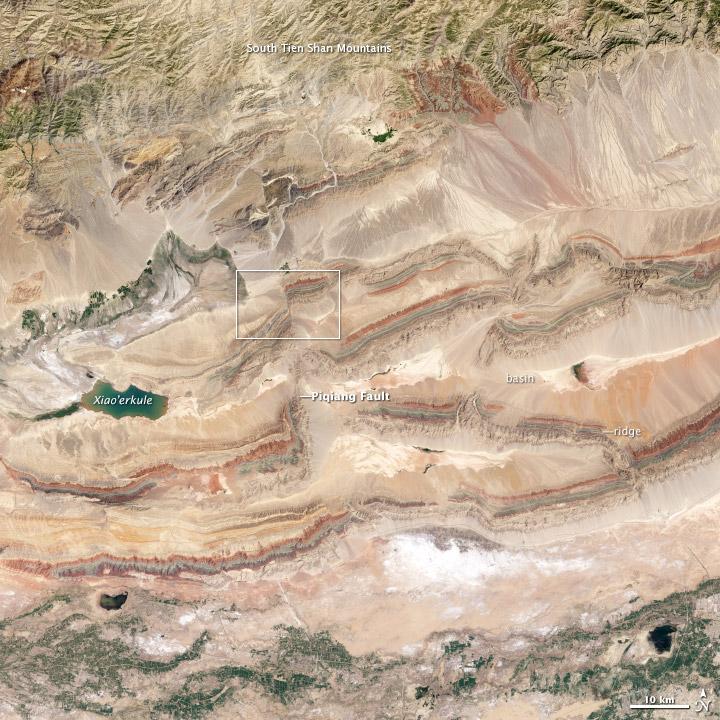 Faults in Xinjiang