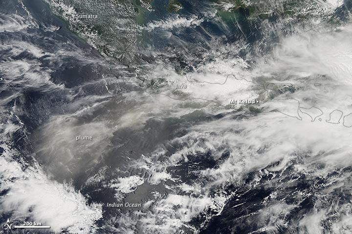 Indonesia's Mount Kelud Erupts