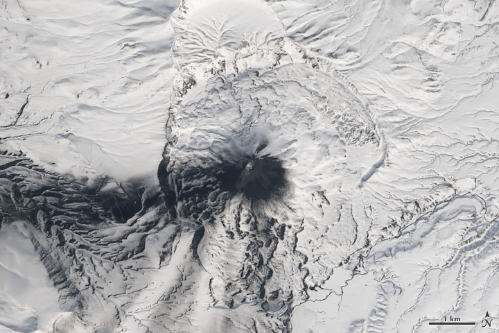 Five Volcanoes Erupting at Once