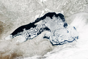 Persistent Ice on Lake Superior - selected child image