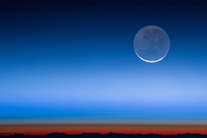 Earthshine - related image preview
