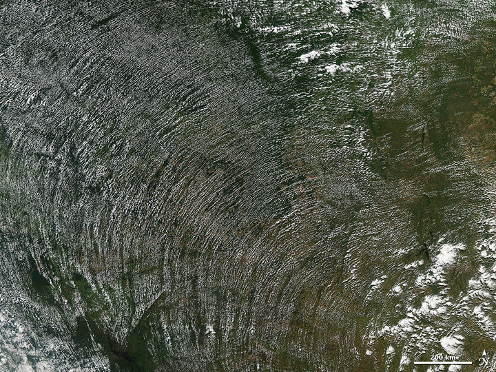 Curving Cloud Streets in Brazil