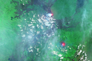 Nyamuragira Volcano Erupts - selected image