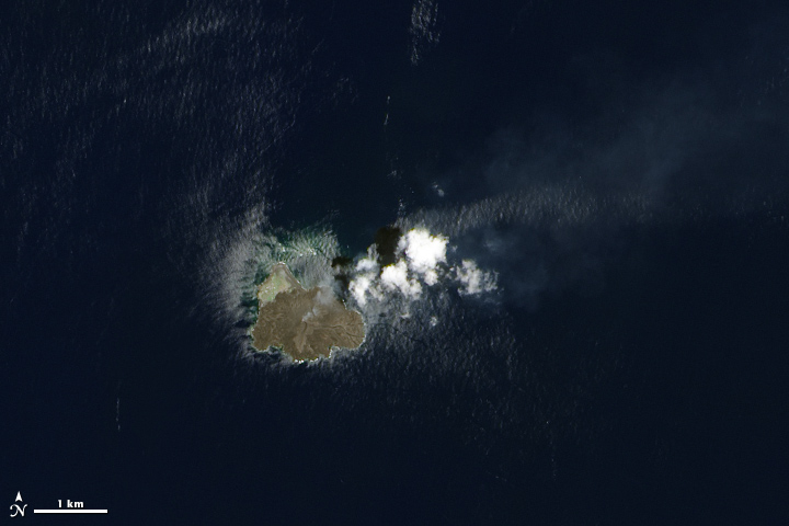 Growth of Nishino-shima Volcanic Island - related image preview