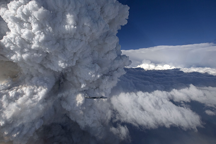 Evolution of Pyrocumulus over California - related image preview