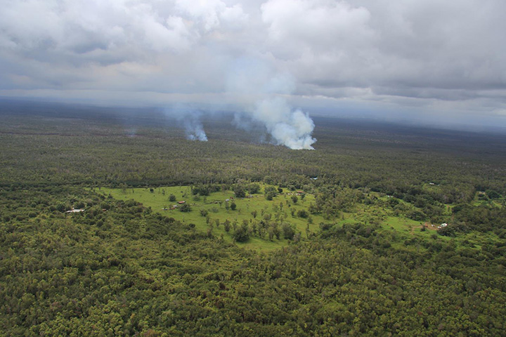 Kilauea Lava Flow Advances Toward Homes
