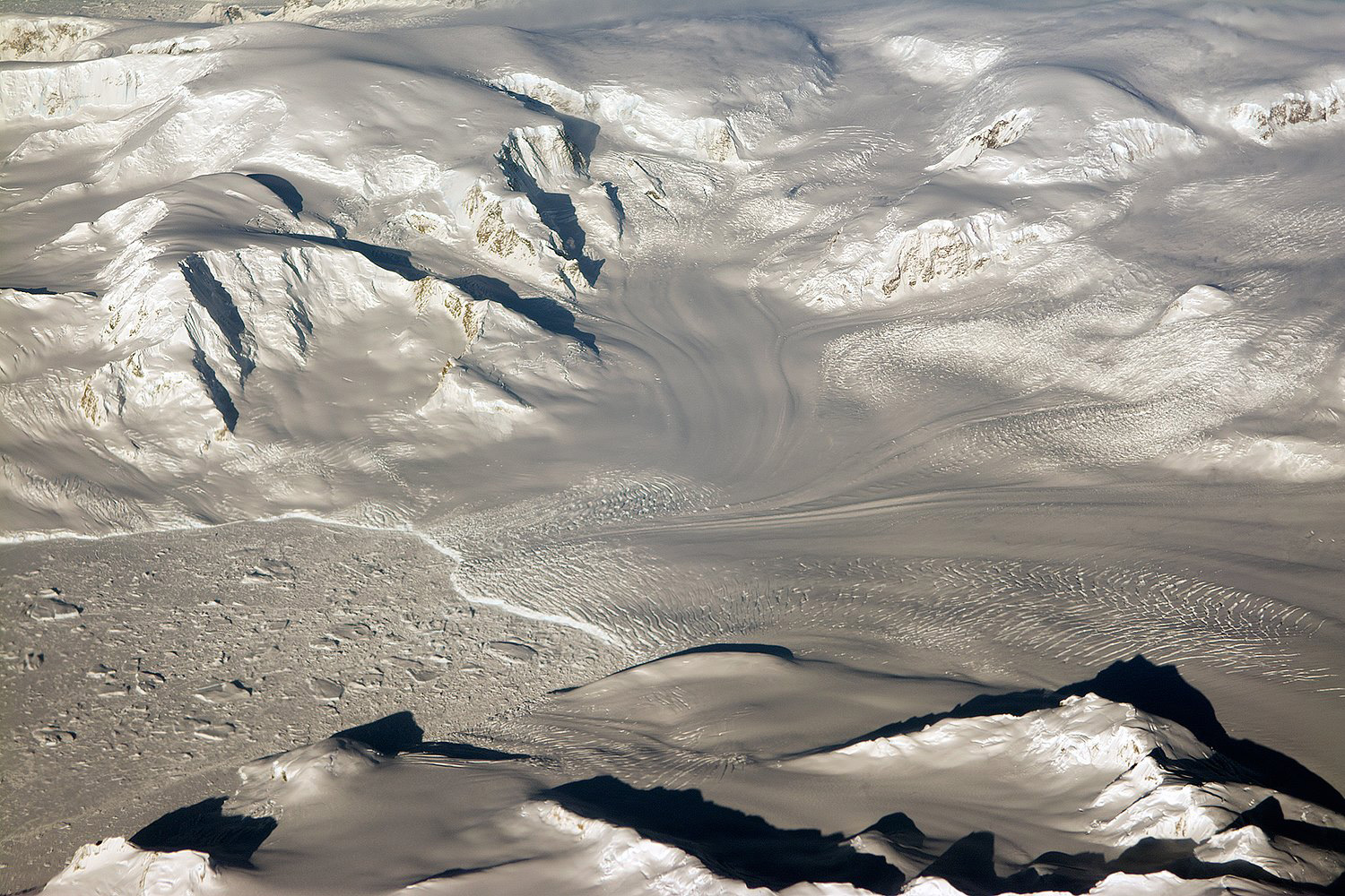 Antarctic Landscape Illuminated - related image preview