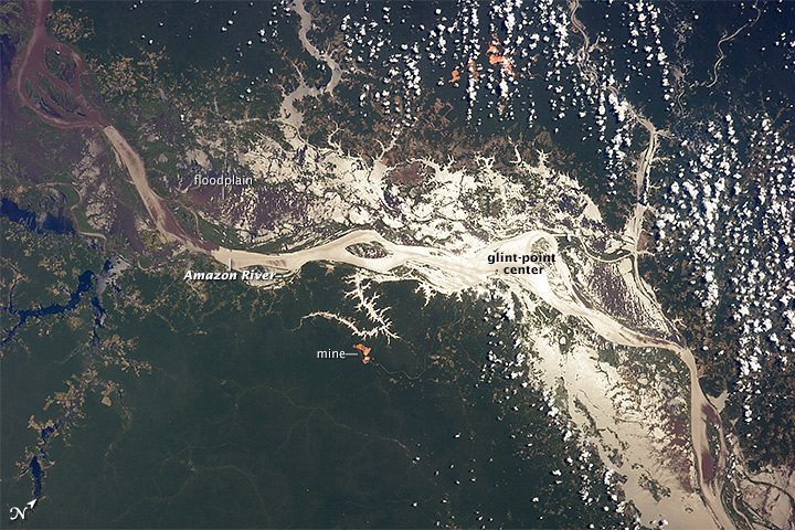 Sungai Amazon di Sunglint