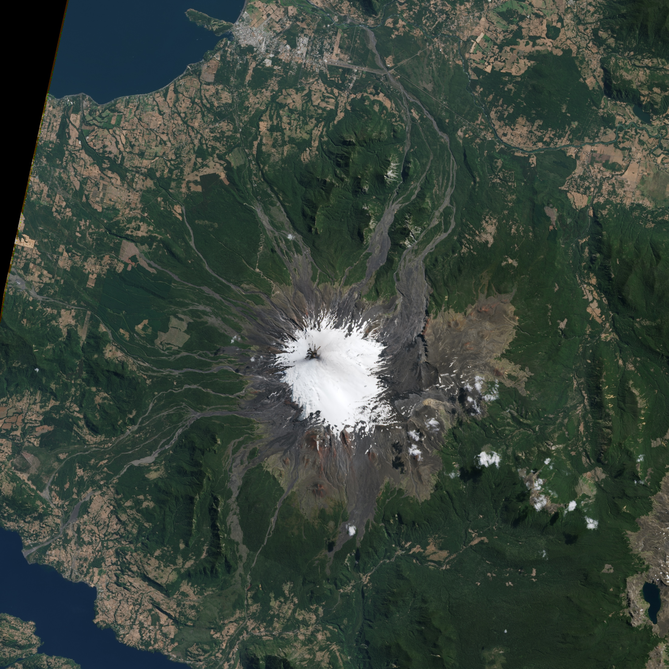 Eruption of Villarrica Volcano - related image preview