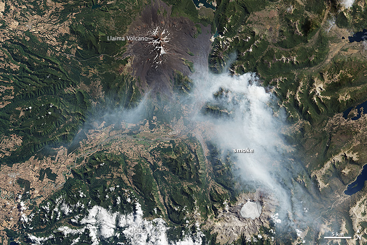 Wildfires near Chile's Llaima Volcano