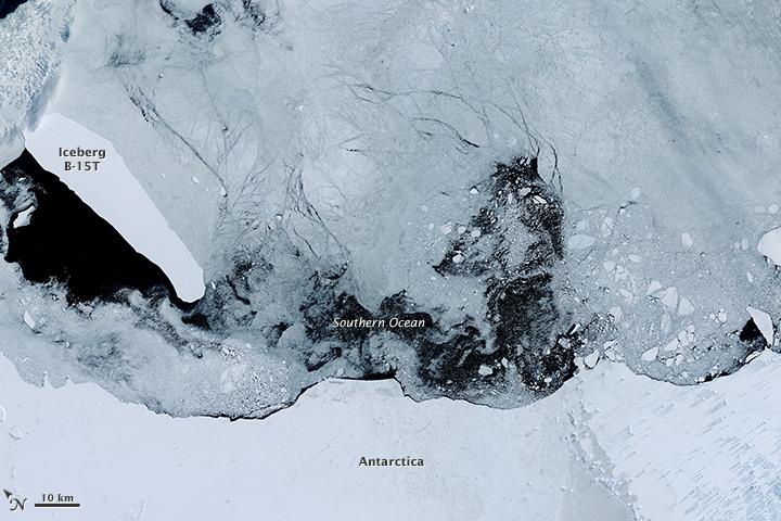 Iceberg B-15T Still Adrift