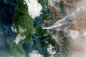 Eruption of Calbuco Continues