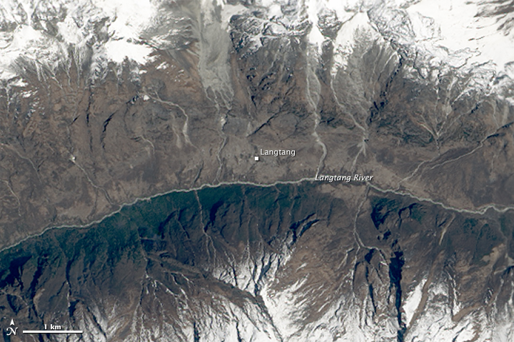 Landslide in Langtang Valley - related image preview