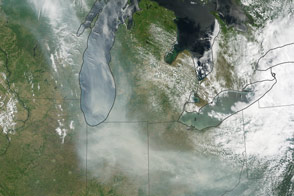 Canadian Fires Send Smoke Over the U.S.