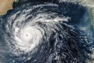 Rare Cyclone Heads for Arabia